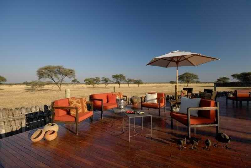 Frans Indongo Lodge:Day Time on the Deck