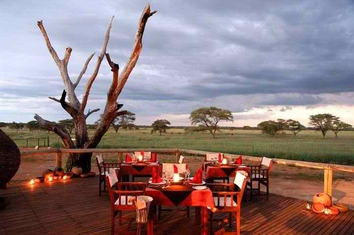 Frans Indongo Lodge: Veranda during the Evening